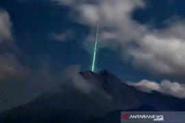 Fenomena cahaya hijau di Merapi, ini tanggapan LAPAN