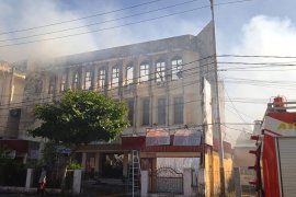 Gedung PWI Sulut terbakar