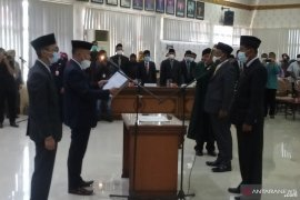 Dua anggota DPRD Agam baru melalui melanisme PAW dilantik
