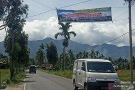 Jelang kedatangan Menteri KP ke Danau Maninjau, spanduk penolakan bertebaran