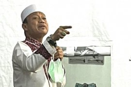 "Catatan Ilham Bintang - Kuliah subuh Ustaz Das\'ad Latif di \""Tenda Arafah\"" Masjid At Tabayyun"