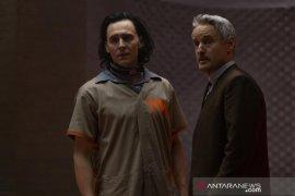 """Kesan Tom Hiddleston hingga Owen Wilson adu peran di film \""""Loki\"""""""