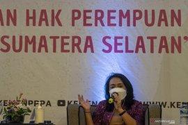 Dialog Menteri PPA dan Pemerhati Perempuan Page 3 Small