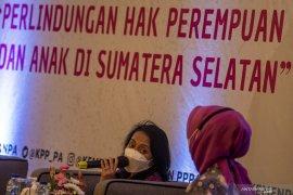 Dialog Menteri PPA dan Pemerhati Perempuan