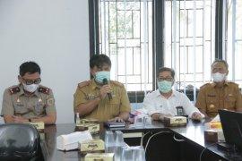 Sekda Pringsewu hadiri acara penyerahan penggantian tanah wakaf proyek bendungan Way Sekampung