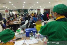 Dinkes Kendari lakukan vaksinasi massal untuk mencapai target sasaran
