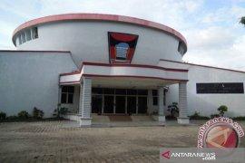 Dengan alasan sedang kunjungan dinas, oknum Wakil Ketua DPRD Padang kembali tak penuhi panggilan polisi