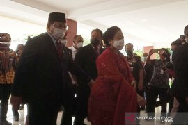 Menhan Prabowo dampingi Megawati ke sidang pengukuhan gelar profesor