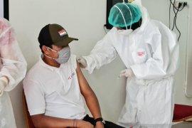 Dinkes: Vaksinasi COVID-19 pelayan publik dosis I capai 50 persen