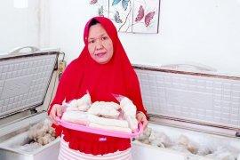 Pelaku UMKM pempek dan kerupuk Palembang raup omset puluhan juta setelah jual online di Tokopedia
