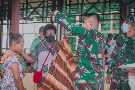 Satgas Yonif 611/AL periksa kesehatan balita di perbatasan RI-PNG