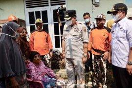 Pemkab Lampung Tengah perbaiki rumah warga tak mampu