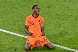 Denzel Dumfries \'star of the match\' saat Belanda vs Ukraina