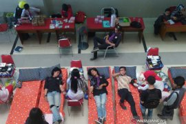 Kebutuhan darah pasien rumah sakit di Palembang 7.000 kantong per bulan
