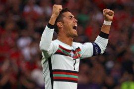 Portugal mengawali Euro dengan kemenangan besar 3-0 atas Hungaria