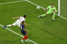 Prancis ungguli  Jerman 1-0 berkat gol bunuh diri