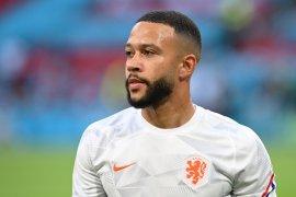 Memphis Depay ingin bermain di bawah Ronald Koeman setelah Euro selesai