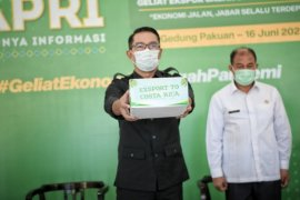 Gubernur Ridwan Kamil lepas ekspor 23 ton kelapa parut kering ke Kosta Rika