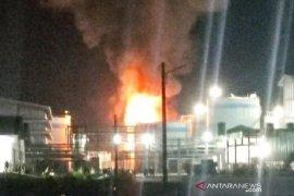 Kebakaran tangki pabrik di Dumai telan dua korban