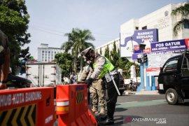 Polisi alihkan lalu lintas kendaraan masuk ke Kota Bandung, berikut ini jalan yang dilakukan buka-tutup