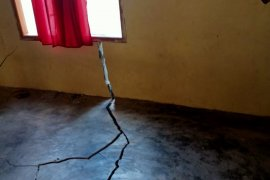 Puluhan rumah dan tempat ibadah terdampak gempa magnitudo 6,1 di Maluku