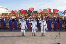 Tiga astronot China dilepas melalui acara seremonial dari Jiuquan, Provinsi Gansu