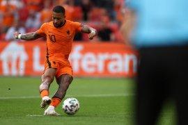 Belanda  ungguli Austria 2-0