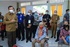 Sebanyak 56 warga Riau alami KIPI usai vaksin COVID-19