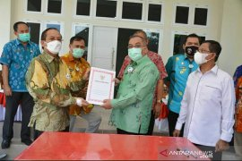 Mantan Gubernur dan Wagub Sulteng kembalikan aset-aset milik negara