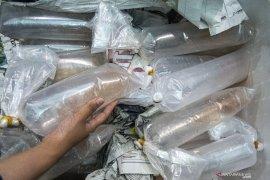 Bea Cukai Palembang Gagalkan Penyelundupan 225.664 Ekor Benih Lobster Page 3 Small