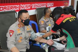Polda NTT sumbang 88 katong darah dalam aksi donor darah di Kupang