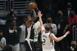Rebut gim keenam dari Jazz, Clippers ke final  Wilayah Barat