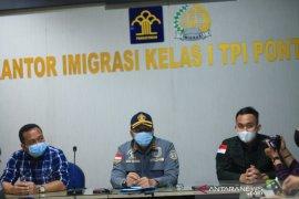 Imigrasi pulangkan 27 warga negara Vietnam pencuri ikan di Pontianak