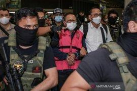Bareskrim Polri temukan dua tindak pidana Adelin Lis selama buron di Singapura
