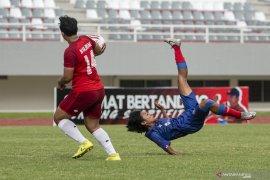 Arema FC Putri Juara Page 4 Small