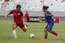 Arema FC Putri Juara Page 3 Small