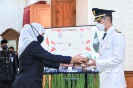 Gubernur Jatim melantik Bupati Tuban-Wakil Bupati Tuban di Grahadi