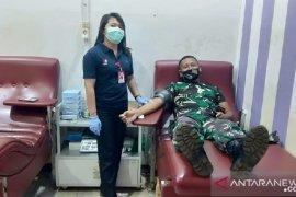 Satgas TNI gelar donor darah di perbatasan RI-PNG