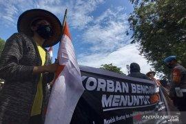 Warga Donggala aksi jalan kaki Donggala-Palu  tuntut hunian tetap