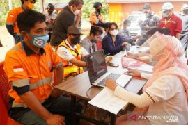 Pemerintah Gandeng PT CNI Vaksinasi 1400 Wargadi Kolaka