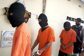 Seorang ASN Lombok Utara tertangkap tangan transaksi sabu di Mataram