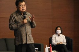 JK berbagi inspirasi dan pengalaman kepada karyawan Kalla Group