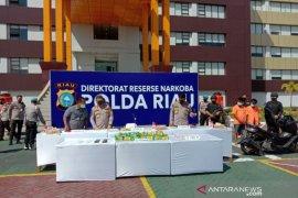 Sabu 19 Kg dan 500 ekstasi pesanan dari Sumsel disita Polda Riau