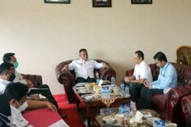 Bupati Lampung Selatan minta PLN tak pasang listrik di bangunan tanpa IMB