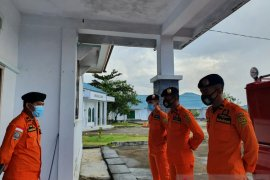 Tim SAR cari seorang pekerja tambang nikel terseret longsor di Morowali Utara