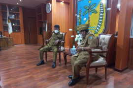 Gubernur minta Bupati Donggala  percepat pemulihan penyintas gempa