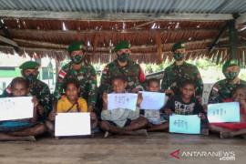 Satgas TNI Kreasikan Ide Anak Perbatasan RI-PNG