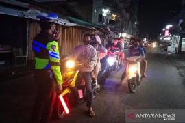 Polres Meranti tingkatkan patroli cegah kerumunan warga