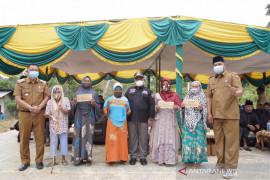 Miliki potensi timah, Sekda Kampar tinjau Desa Balung