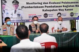 Bupati Waykanan tinjau pelaksanaan PPKM mikro di empat kecamatan
